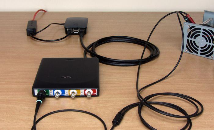 HandyscopeHS6 DIFF, gedeeld via een Raspberry Pi met TPISS, gevoed via Power Over Ethernet.